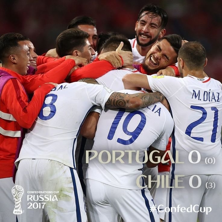 Grande @laroja! Claudio Bravo fue la gran figura en la definición a penales ante Portugal. El domingo el equipo de Pizzi juega otra final