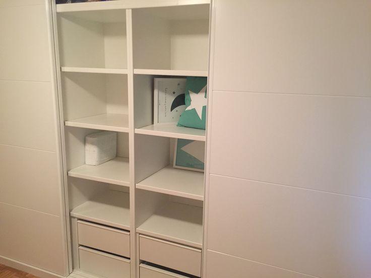 Armario empotrado puertas correderas armario armario lavado puertas blancas habitaci n infantil - Armario habitacion infantil ...