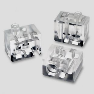 <strong>Medical Polished Acrylic Manifold </strong><br /><p>Acrylic Polished Manifold for a Medical Application</p>