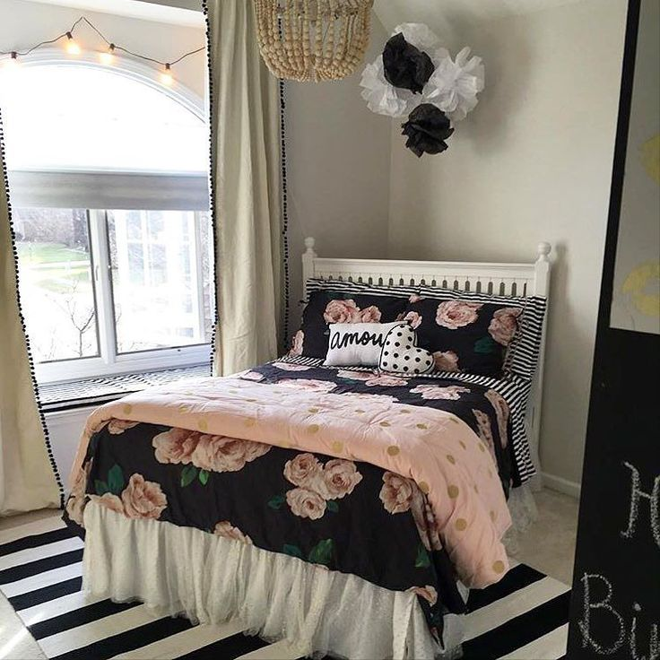 @renee_hart and @pbteen_natick did such an adorable job decorating @emmishler1's bedroom with our @emilyandmeritt collection! #mypbteen #eandmforpbteen