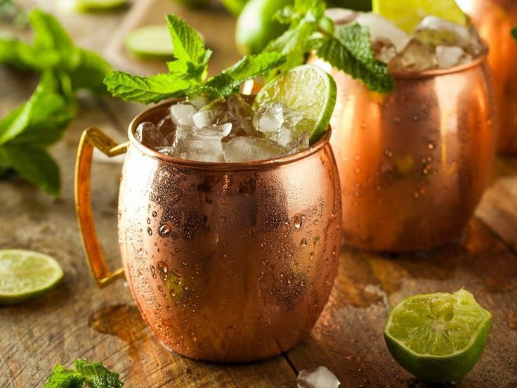Happy Friday! Try this Moscow Mule made with Florida Fresh Herbs Mint available @publix and @flamingoroadnursery Recipe link in bio!  #floridafreshherbs #urbanfarm #urbanfarming #eatlocal #farmlife #herbs #farmtotable  #cleaneating #soflo #southflorida #ftlauderdale #miami #verticalfarming #glutenfree  #hydroponics #foodjustice #hydroponics #farmersmarket #sustainability #aquaponics  #hydro #healthy #nutrition #nature #florida