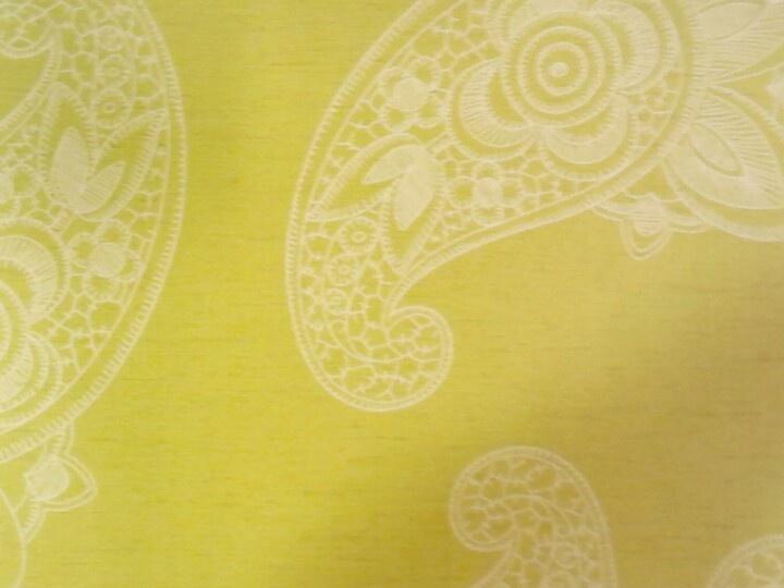 Behang, helder groen met paisley motief (niet meer leverbaar)