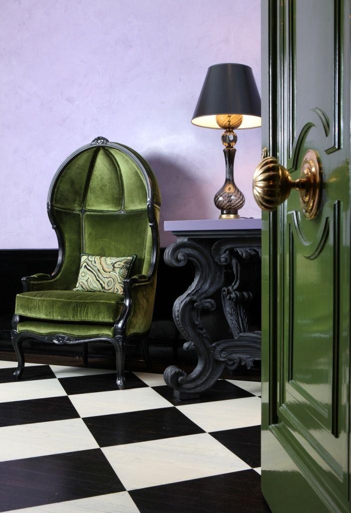 Дверь и ручка, вход в квартиру. JLI - Art Deco Pied a Terre.
