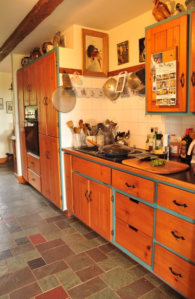 Nova Scotia Property Sale - Photo Gallery - Wouldn't you love cooking in a kitchen like this?  www.nspropertysale.com