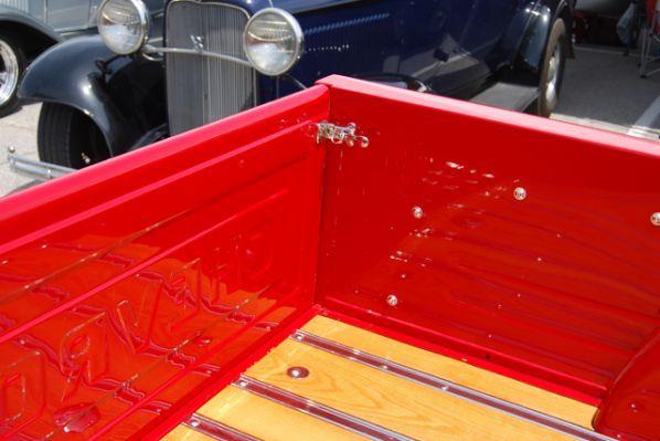 1955 chevy stepside custom tailgate