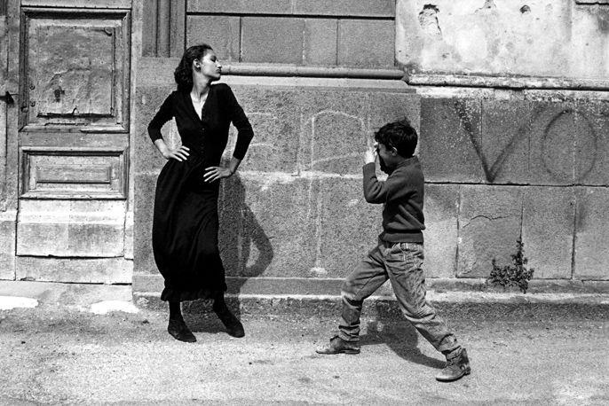 by Ferdinando Scianna Marpessa , Caltagirone, Italia, 1987