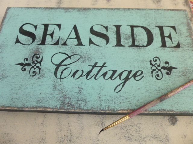 Brilliant how to stencil wood signs using acrylic paint and makeup sponges