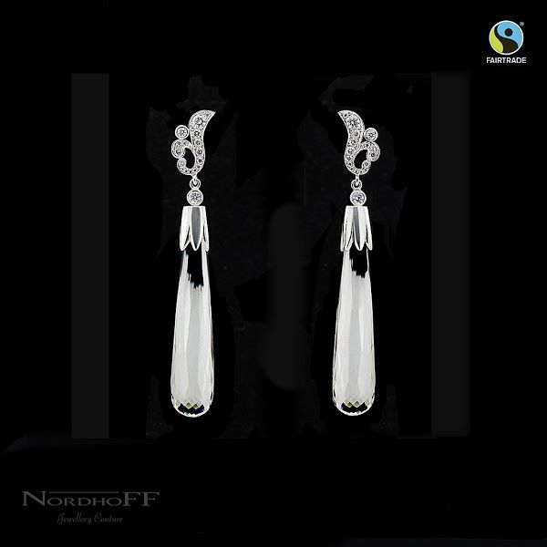 With over 31 carats of dazzling crystal quartz and sparkling white Australian diamonds these earrings are completely handmade in our Mount Lawley workshop, the traditional way, that means they are 100% CAD and cast free.  We think they are a perfect way to put the finishing touches on a stunning bridal look or for your next glamorous event. The elongated drops frame your jawline so perfectly and carry such a feeling of pure luxury, you'll feel like the ultimate of elegance.