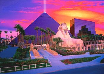 Luxor Hotel Las Vegas At Night. Definitely want to check this out as the sun goes down. #ExpediaThePlanetD