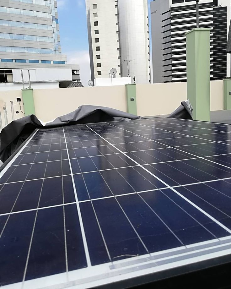 La energía solar está al alcance de la mano. Ya sea para uso personal residencial comercial y hasta industrial.  Contact us thru DM or Whatsapp directly 593 984295758  #ecusolar #greenpower #solarenergy #energiasolar #solarpower #sun #power #cargadorportatil #celular #movil #iphone #ipod #ipad #tablet #camara #mp3 #usb #guayaquil #ecuador