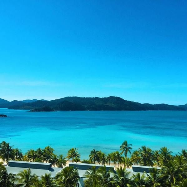 Want to work in a place where this is your backyard? Hamilton Island ladies and gents. Find out more: http://www.tastyjobs.com.au/company/Hamilton+Island+Enterprises/ Image via Instagram @thesaltylens via @hamiltonisland