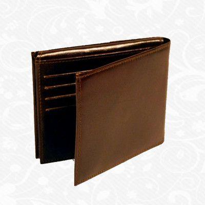 Praktická kožená peňaženka UNISEX vyrobená z prírodnej kože. Kvalitné spracovanie a talianska koža. Ideálna veľkosť do vrecka a značková kvalita pre náročných. Overená kvalita pravej kože. Peňaženka sa vyznačuje vysokou kvalitou použitých materiálov a ich precíznym spracovaním. http://www.vegalm.sk/produkt/kozena-penazenka-c-8408/