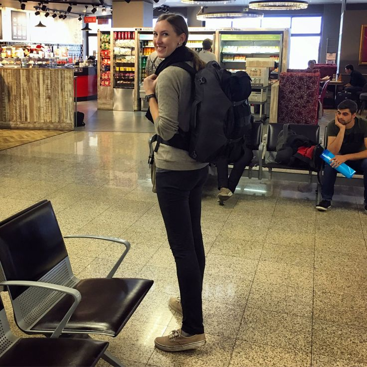 What's in Bri's Bag? | best carry on backpack for longterm, budget travel.