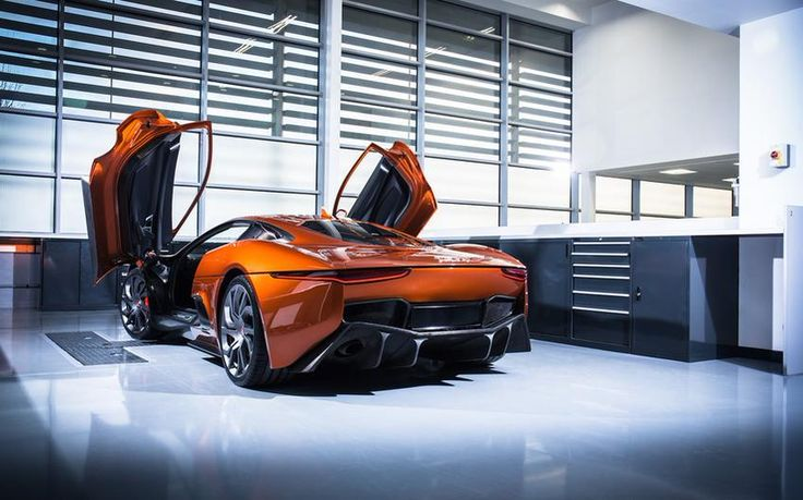 Jaguar Land Rover unveils the new Bond cars for 'Spectre' http://on.mash.to/1OuyDrO (via Mashable on Twitter)
