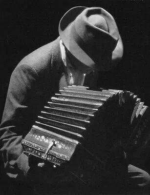 Tango Argentino. www.axistango.com