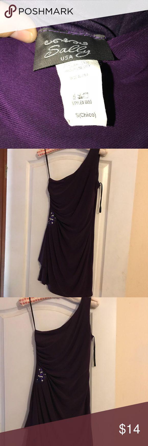 Dark purple off the shoulder dress. Size small dark purple dress. NWOT. Tag says Sally USA but I bought it on dress.com has a zipper on the side sally USA Dresses Mini