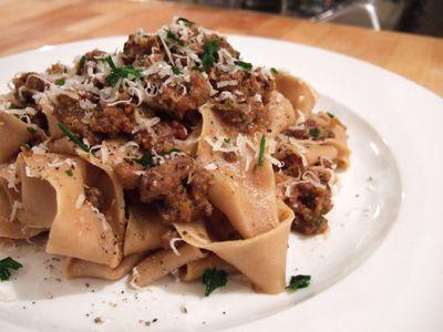 Italian food - Pappardelle al chianti con ragù di lepre