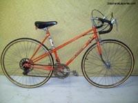 Vélos de route pour dame à vendre velos usages remis a neuf