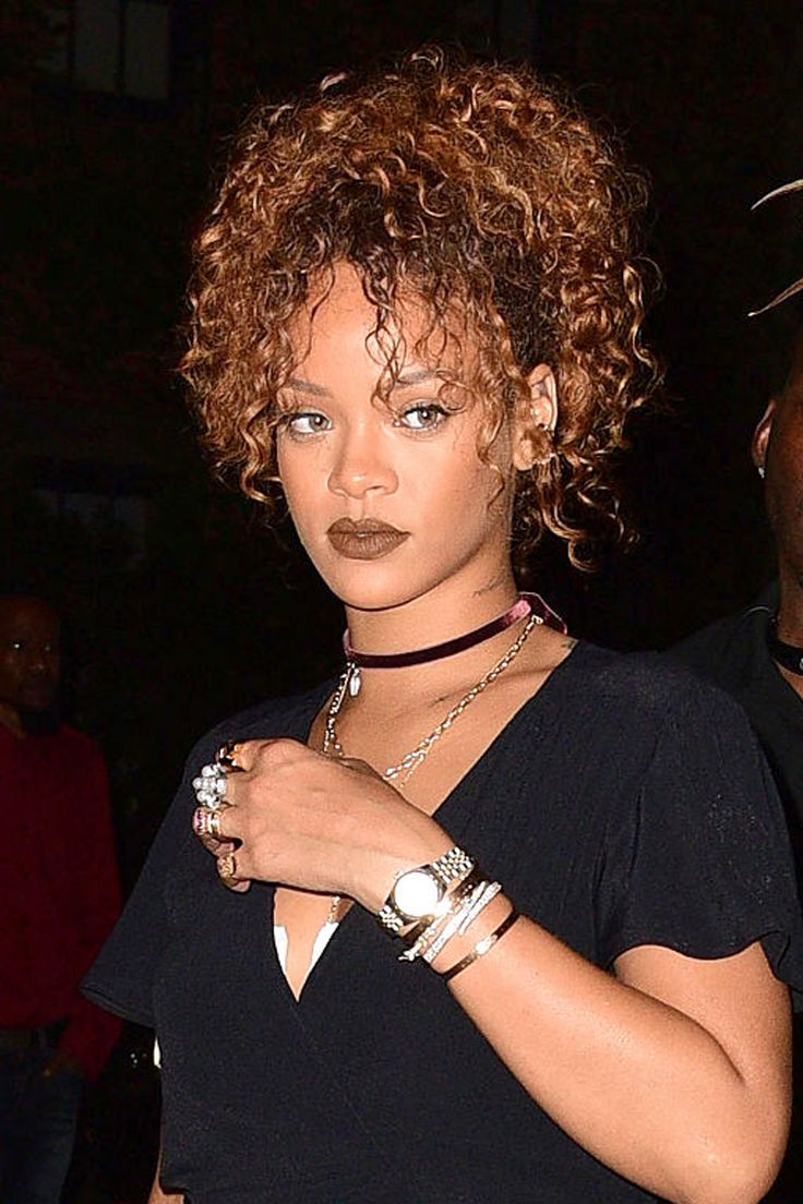 Pin your curls up, front and center for this stunning look | Rihanna