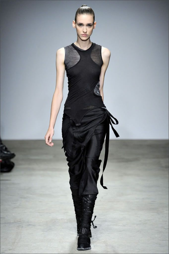 vogue: Future Fashion, Andrea Tarali, Catwalks, Dark Style, Black And White, Nicolas Andrea, Runway, Futurefashion, Dark Fashion