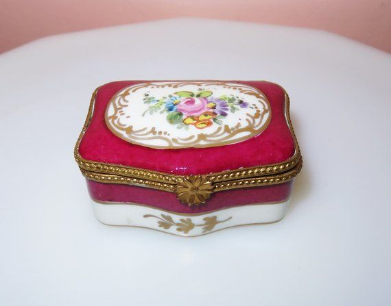 Antique Limoges France Porcelain Trinket Box Pill Box Ring Box Limoges Hand Painted French Box Made In France Artist Signed Painted Lovely Antiques Antiques Hand Painted