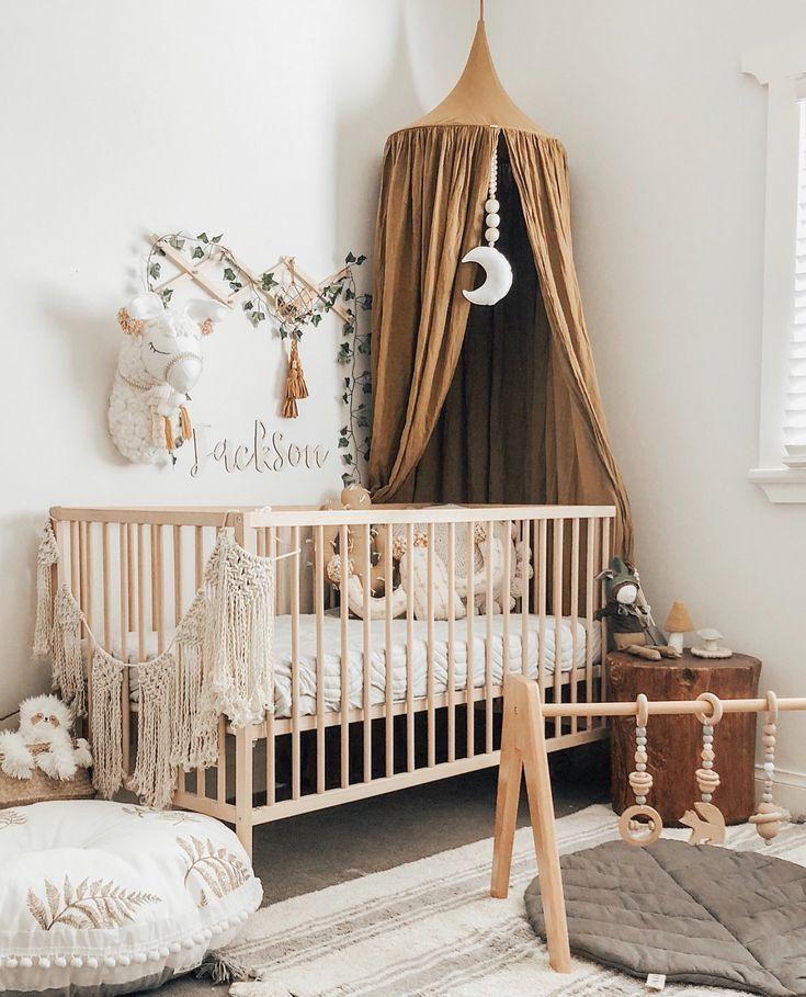 Wir schwärmen über diese Kindergarten-Perfektion, die für ein Boho-Baby geeignet ist! Sie können Modern Monty Play Gyms, Kinzzza Leaf Play Mats, Bonne Mere Quilts und …