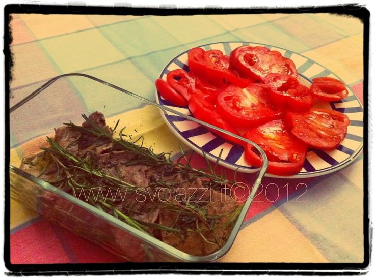 Un'idea diversa per un secondo con i fiocchi http://www.svolazzi.it/2012/07/carne-sottolio.html