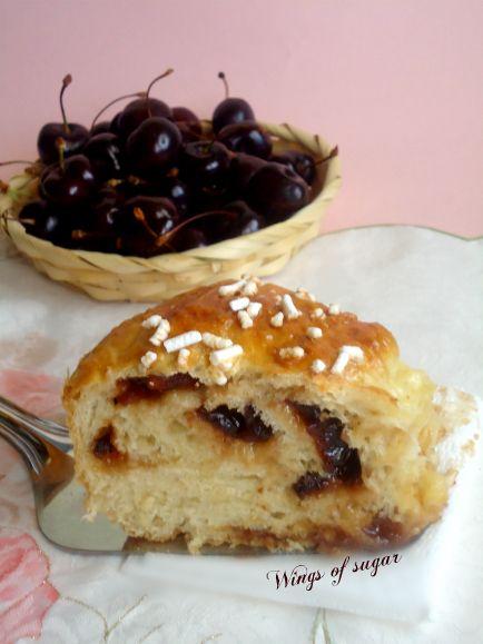 Pan brioche dolce farcito confettura di ciliegie - wings of sugar blog