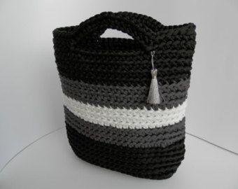 Items op Etsy die op Uniek gehaakte handtas/gebreide tas / haakwerk touw accessoires/gebreide tas/mode/vrouw bakken/handgemaakte tas/zomer tas lijken