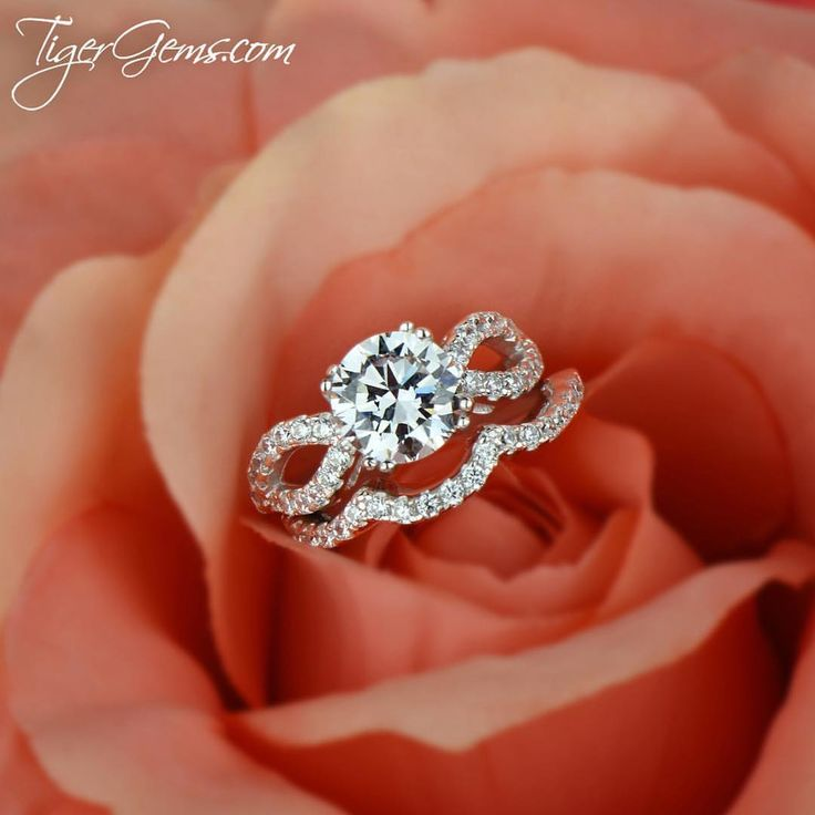 The 2.25 ctw infinity gatsby wedding rings from TigerGems.com.