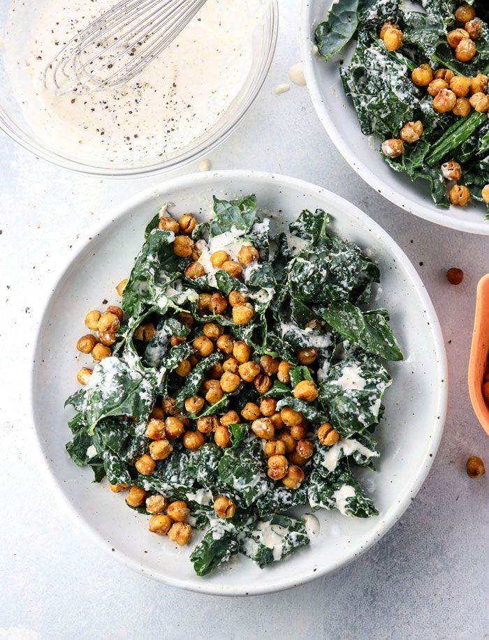 This Vegan Kale Caesar Salad is made with a dairy-free tahini dressing and toppe…   – Things I should actually cook/bake at some point