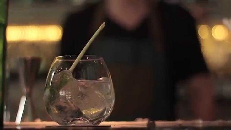 Στο δεύτερο μέρος της αναζήτησης του ιδανικού gin & tonic, o Δημήτρης Κιάκος μας ετοιμάζει ένα πιο φρουτώδες και αρωματικό κοκτέιλ.