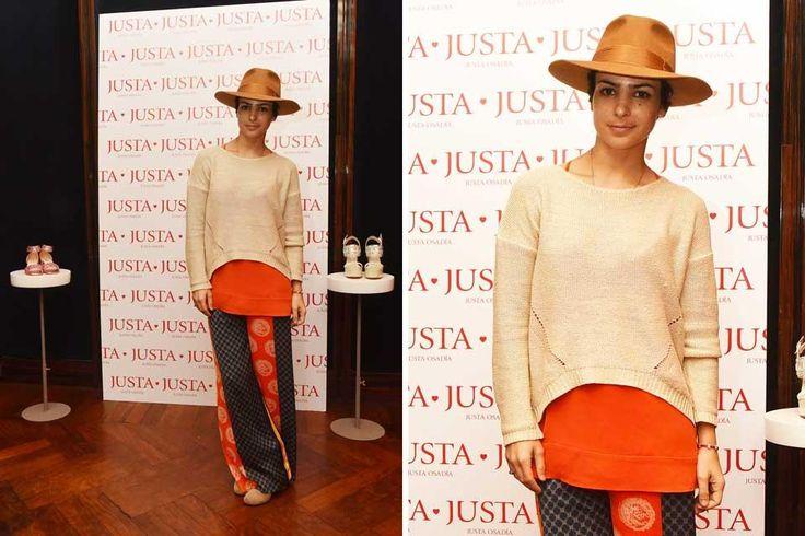 Ohlaleando: mirá lo que se puso Agustina Cherri  Agustina Cherri con un look bien folk: sweater, blusa amplia y falda larga con sombrero, un ítem infaltable de la nueva tempoarada. Foto: Gentileza prensa