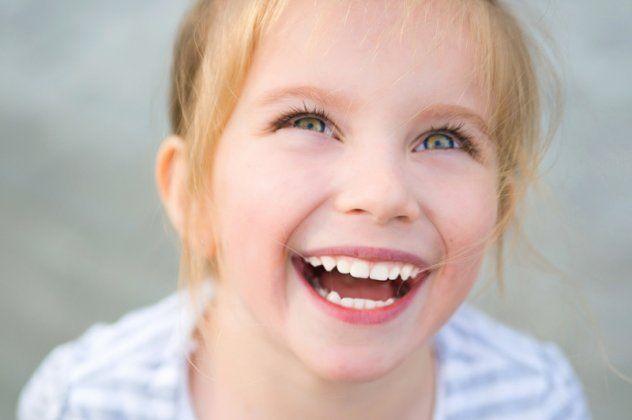 Αν ψάχνεις για το άπειρο, θα τον βρεις στο χαμόγελο ενός παιδιού... Να το προσέχεις αυτό το χαμόγελο... είναι η ψυχή του κόσμου.