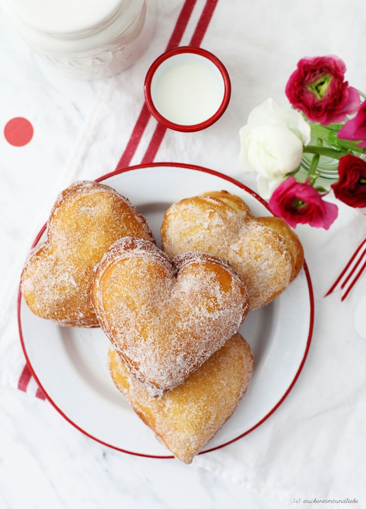 Rezept Valentinstag Krapfen Berliner Herzform Kreppel gefüllt Zucker, Zimt und Liebe Foodblog