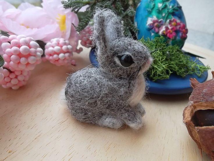 Needle felted bunny easter rabbit mini figurine ooak Handmade wool soft sculpture  coniglietto di lana cardata ad ago by MondoTSK on Etsy