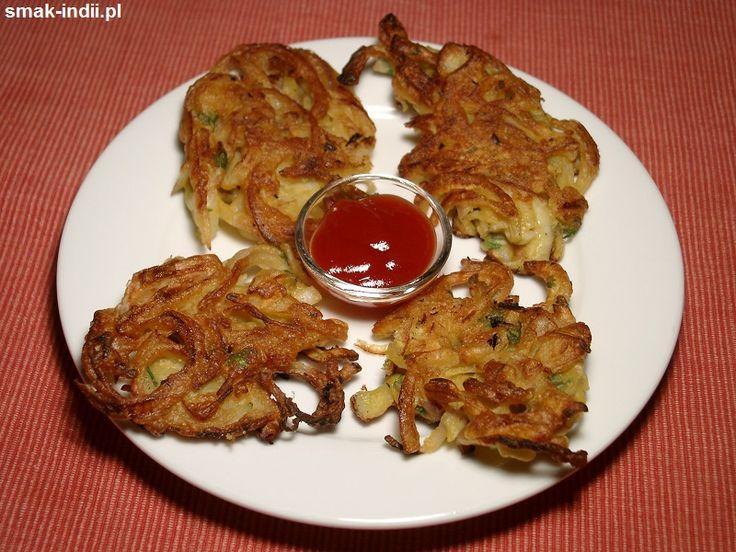Placuszki cebulowe zwane bhaji są bardzo popularną przekąską kuchni indyjskiej.