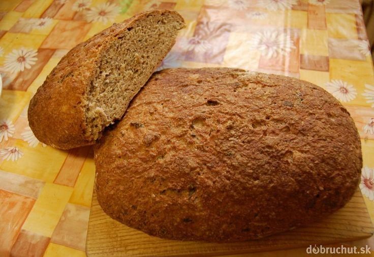 Fotorecept: Špaldový chlieb s medvedím cesnakom
