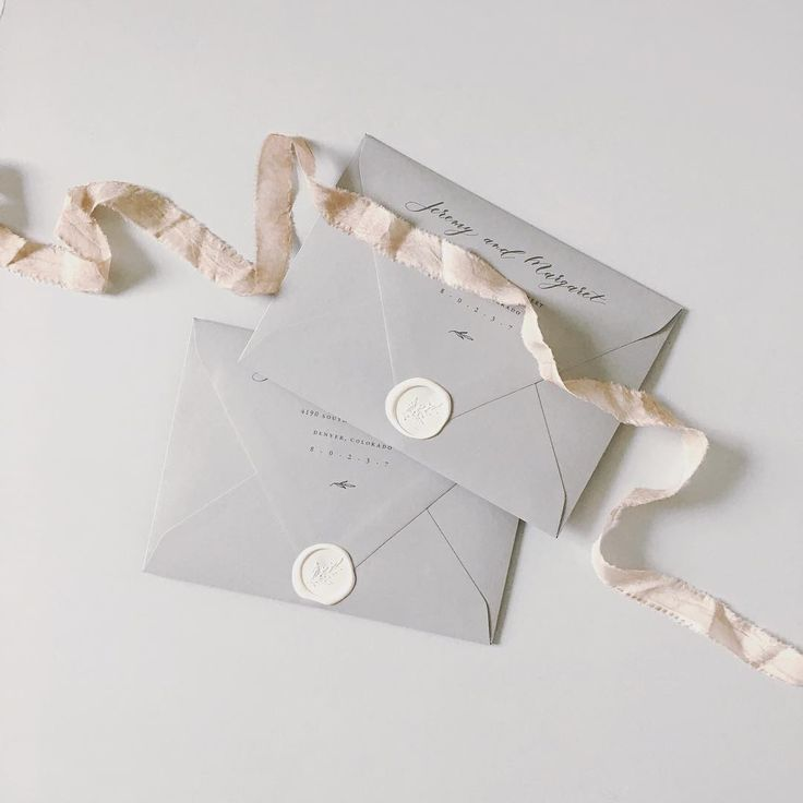 Custom wedding invitations / calligraphy / illustration / watercolor / foil / letterpress