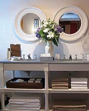 Grey vanity, white round mirrors flamant waschtisch