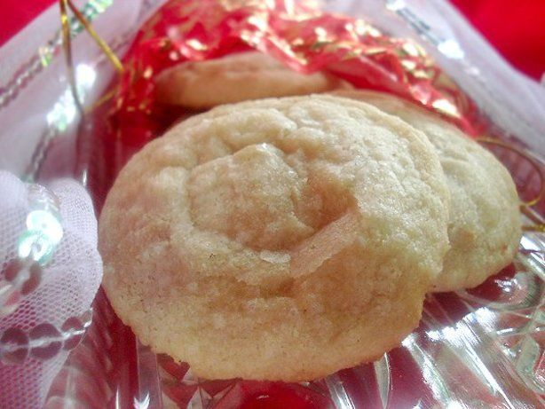 They are a delicious buttery shortbread cookie.  Very easy to make, since you are not using the cookie press.  Dont substitute margarine for the butter!