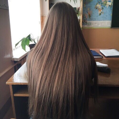 love this straight brown hair.
