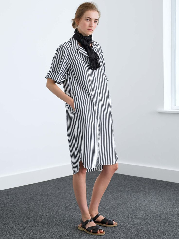 Margaret Howell is a contemporary British clothing designer. View the Margaret Howell womenswear lookbook.