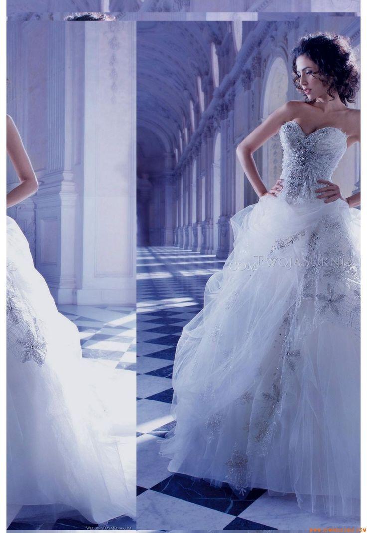 Robe de mariée Demetrios 2870 Young Sophisticates
