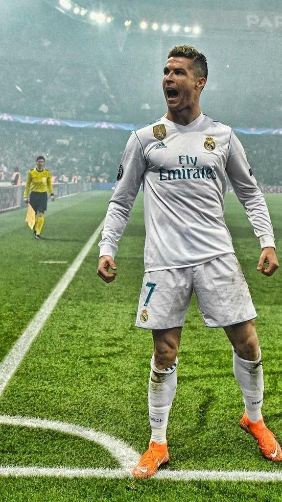 Pin By Dennis G On Cristiano Ronaldo Real Madrid Cristiano Ronaldo Ronaldo Real Madrid Cristiano Ronaldo Juventus