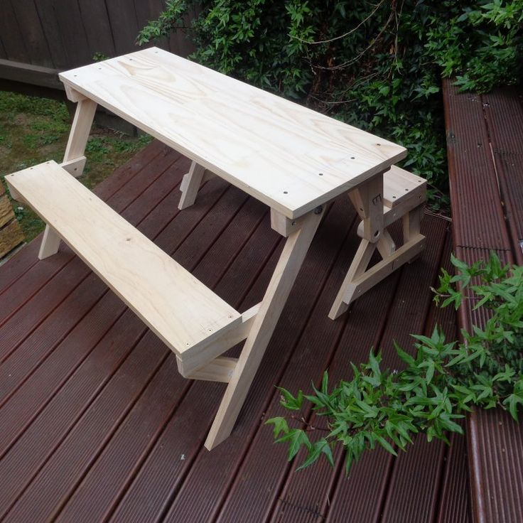 How to build a kids size folding picnic table