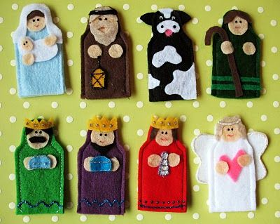 felt nativity - would be fun to make as finger puppets with magnets on back so they could double as fridge entertainment.