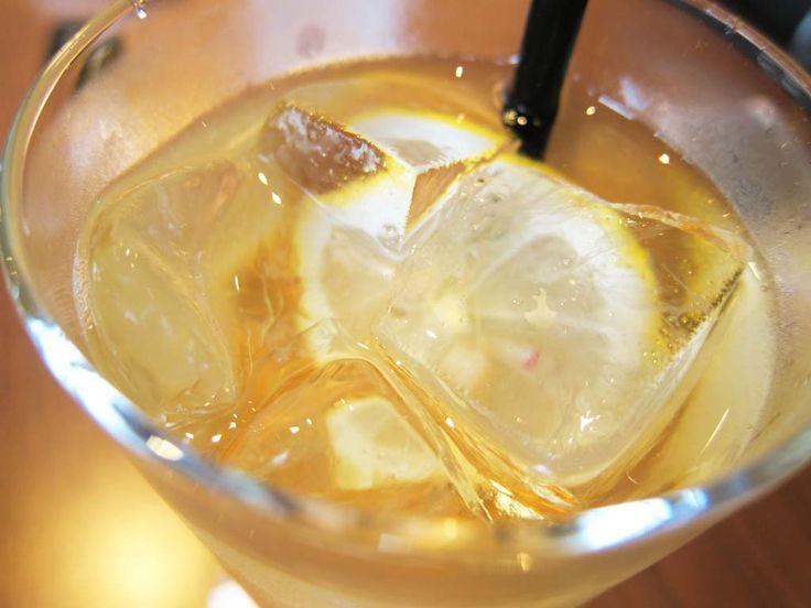 Hoe gingerale gemberdrank maken, want de zelfgemaakte gingerale smaak is een heel andere (en opmerkelijk beter) dan die van de