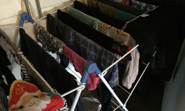 Veel mensen laten hun wasgoed drogen in een kamer als het net is gewassen. Doe jij dit ook? Dan is dat een reden waarom je dit zou moeten lezen.