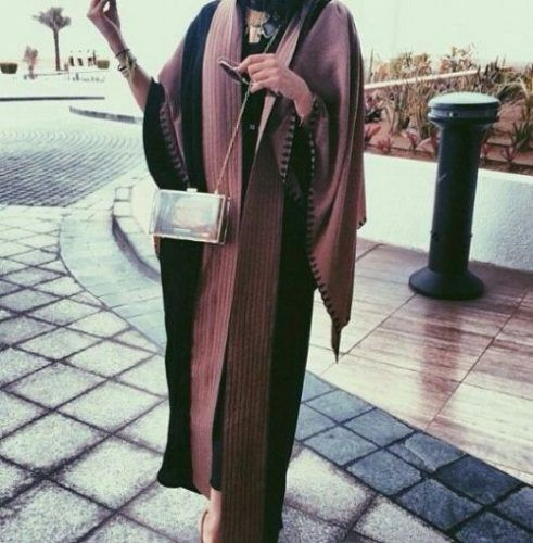 stylish mocha abaya fashion- Saudi Abaya fashion http://www.justtrendygirls.com/saudi-abaya-fashion/